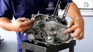 getlinkyoutube.com-Como desarmar y armar un motor 4 tiempos de motocicleta.