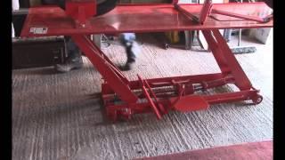 getlinkyoutube.com-Sealey MC401 Motorcycle Workshop jack lift ramp Honda Magna