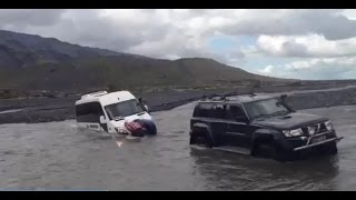 getlinkyoutube.com-Sprinter 4x4 Bus Stuck in the river. Iceland.