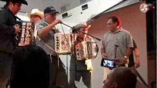 getlinkyoutube.com-Accordion Battle (Batalla de Acordeones) - Downtown Brownsville, Texas