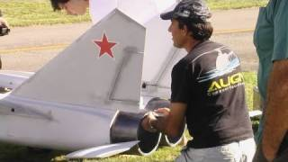 getlinkyoutube.com-The world's largest Mig 25 RC scale model jet?