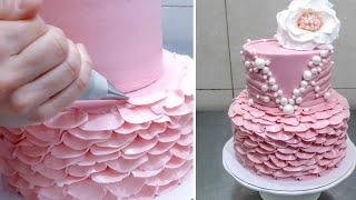 getlinkyoutube.com-Buttercream Ruffle Cake Decoration - How To by CakesStepbyStep