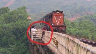 getlinkyoutube.com-Clicking Photos with Running Train... BAD IDEA : Karmali AC Superfast Express : KONKAN RAILWAY
