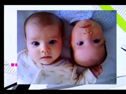 Casal de lésbicas, Paula Izzo e Mariana Elisabetsky, falou sobre maternidade no Altas Horas