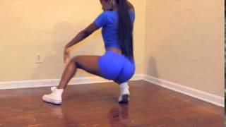 getlinkyoutube.com-Teen twerking to Mia Khalifa