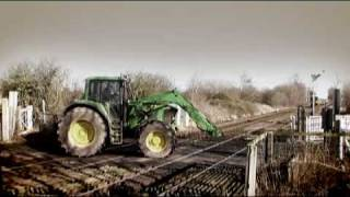 getlinkyoutube.com-Train crash: A  Farmworkers Story