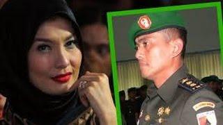 getlinkyoutube.com-Detik-Detik Penangkapan Perselingkuhan Arzetti Bilbina dengan Oknum TNI