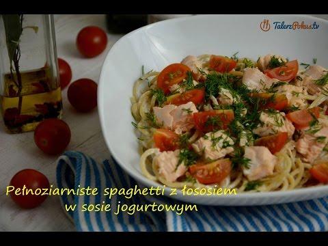 Pełnoziarniste spaghetti z łososiem w sosie jogurtowym