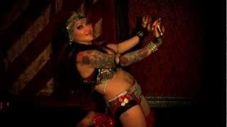 getlinkyoutube.com-Jenevieve Serpentine Sorceress & Esmeralda