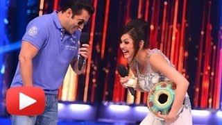 getlinkyoutube.com-Drashti Dhami Romances With Salman Khan - Hot Or Not ?