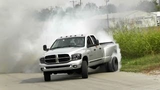getlinkyoutube.com-CRAZY Dually Truck Fishtail Burnout Video!