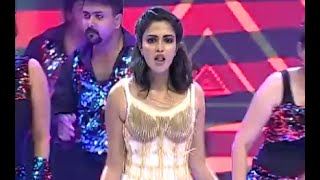 getlinkyoutube.com-AMALA PAUL rocks the stage at the Mirchi music awards | MMASOUTH