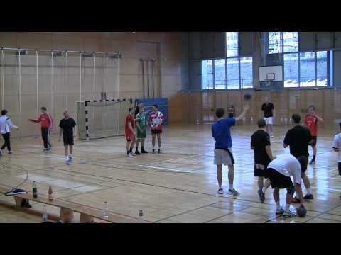 Txema Urdiain in Berlin, team handball practice 3/3