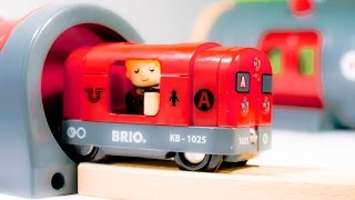 getlinkyoutube.com-BRIO 33513 Metro Railway Set Railroad of wood with Red Train Metro VIDEO FOR CHILDREN