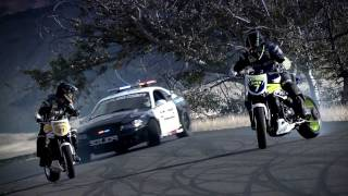 getlinkyoutube.com-INCREDIBLE!!!!!!!!!!!! Police chase bikes, incredible drifting  HD