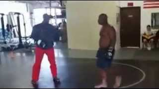 Guy off street gets knocked out!!!!!!!!CENSOR