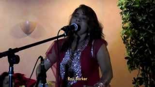 getlinkyoutube.com-Roji Sarker:  Matir Pinjira Shunar Moyna.
