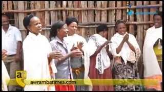 getlinkyoutube.com-Women of Gurage zone singing in commemoration of Meles Zenawi