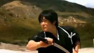 getlinkyoutube.com-محارب الساموراي يصد رصاصة بسيفة ويقطعها نصفين!