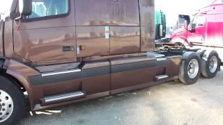 getlinkyoutube.com-2005 VOLVO VNL Tandem Sleeper Truck Tractor - Unit 1701 (A39820-0002)