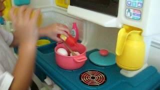 getlinkyoutube.com-Cristian cooking & serving Mama - Part 1