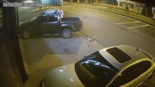 Nevşehir'de otomobilin park halindeki araçlara çarptığı o anlar kamerada...