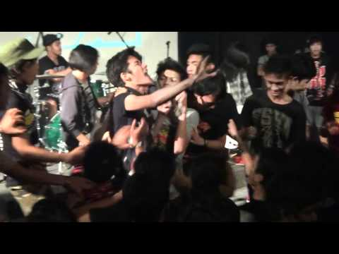 The Padangs - No Mercy (Live at Gegey Fest 2012)