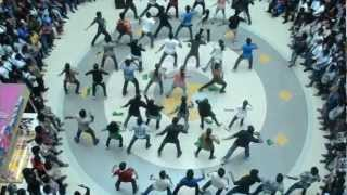 Takshak'12 Flashmob at Oberon Mall,Kochi,on 21-9-12 Friday (Official Video)