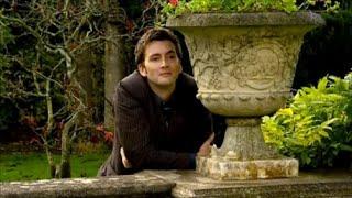 getlinkyoutube.com-The Doctor and Rose | Love Me Like You Do