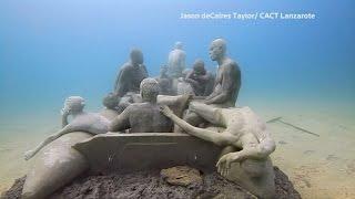 Sculptor creates amazing underwater sculptures