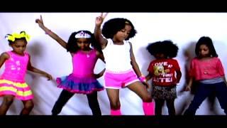 "getlinkyoutube.com-Baby Erin New Orleans Princess of Bounce video ""School House Rock"""