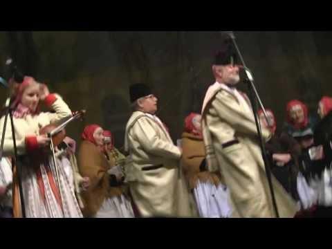 PRAHA-Vystoupení na Staroměstském náměstí  Tetek z Kyjova a zpěváků z Kyjovska a Horňácka 3.
