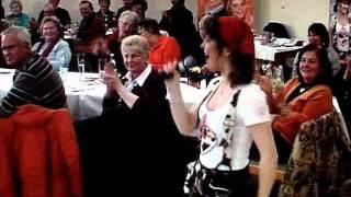 "getlinkyoutube.com-Carina mit ""I steh auf Lederhosen"""