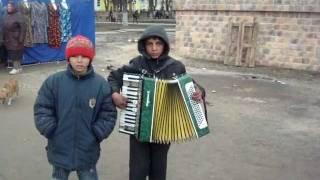 getlinkyoutube.com-циганята поют