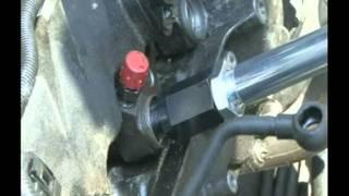 getlinkyoutube.com-Injektor Ausbau mit Schlaghammer / Injector extraction by heavy slidehammer - 6148800 + 60384650