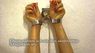getlinkyoutube.com-Selfbondage Time Lock / Zeitschloss an der Wand m