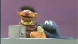 getlinkyoutube.com-Classic Sesame Street: No cookie is SAFE from Cookie Monster