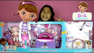 getlinkyoutube.com-Doc McStuffins Doctor Kit  Doc is In Delux Doctor Set with more than 20 Accessories