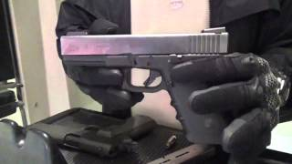 getlinkyoutube.com-الفرق بين مسدس 1911 و جلوك موديل 21 عيار 45ACP.