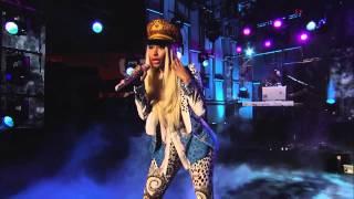 getlinkyoutube.com-Nicki Minaj - Va Va Voom und Freedom Live
