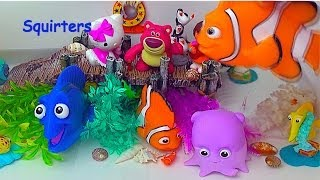 getlinkyoutube.com-Finding Nemo Bath Squirters Lotso Hello Kitty Dora Nemo Marlin Dory Pearl Gill Bubbles Bruce Bloat