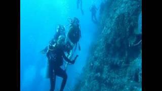 getlinkyoutube.com-Potentially Fatal Scuba Diving Accident Intervention Bahamas 12/04/08 HD