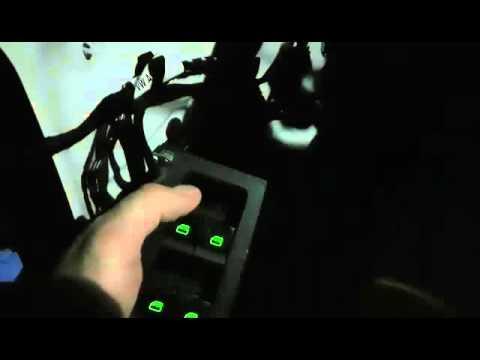 Skoda Octavia A7 Работа водительского стеклоподъемника, скрип
