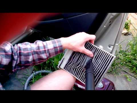 Чистка фильтра салона Renault Sandero (Cleaning of the filter of salon)