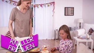 getlinkyoutube.com-Das Geburtstagsgeschenk - Knallerfrauen mit Martina Hill | Die 3. Staffel in SAT.1