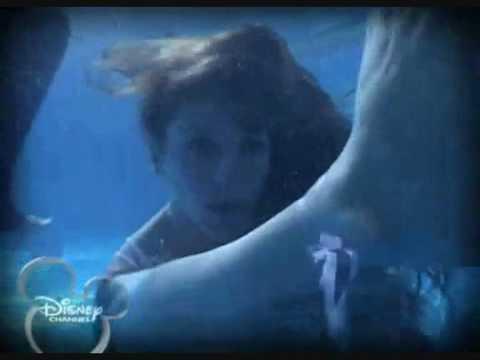 Floricienta 2 - Max salva Flor nella piscina
