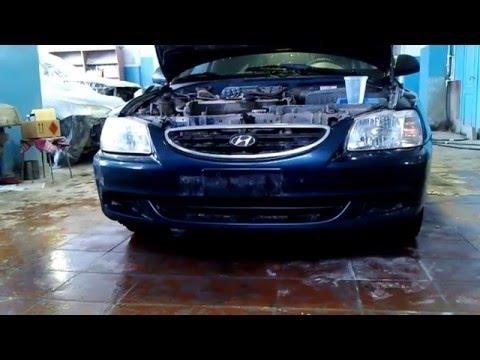 Hyundai Accent. Снятие переднего бампера и фары.