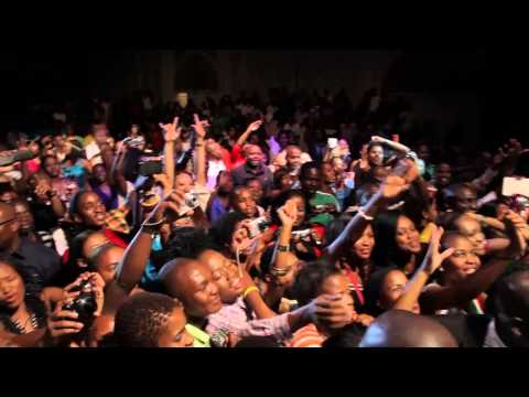 Flavour - In Concert At Botswana [AFRICAX5.TV]