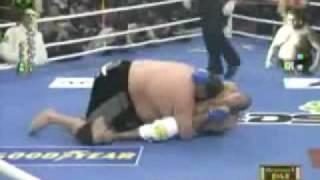 getlinkyoutube.com-Royce gracie vs. Sumo wrestler