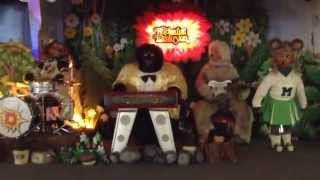 The Rock afire Explosion at Billy Bob's Wonderland (Close Up)